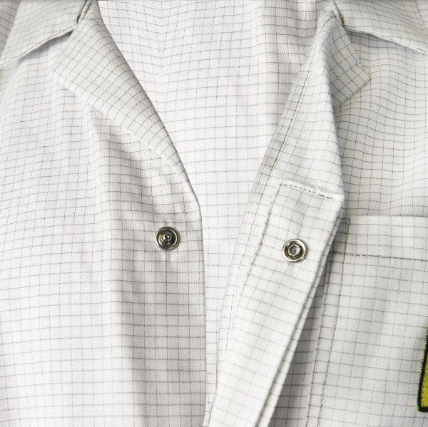 Lab coat – button detail